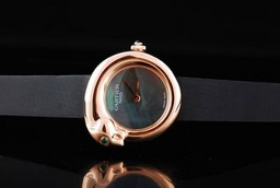 Fake Cool Cartier Classic Quartz Movement with MOP Dial and Rose Gold Case AAA Watches [Q5D2]